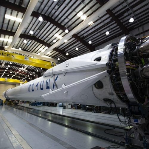 falcon-9-hangar-lights-machines-60130